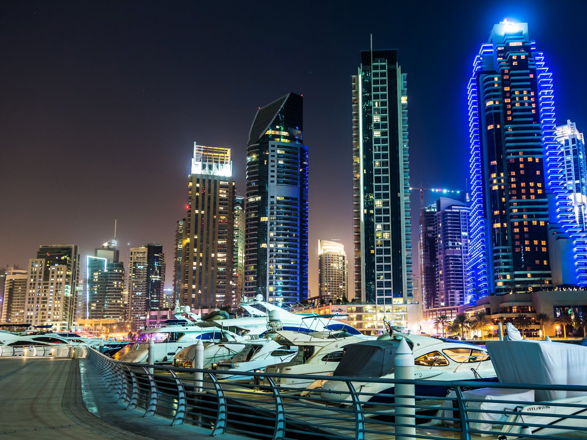 United arab emirates skyscrapers dubai night cities for Tablet hotels dubai